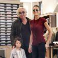 Flavio Briatore fait du shopping à Milan avec son épouse Elisabetta Gregoraci et leur fils Nathan Falco (3 ans) le 21 septembre 2013.