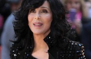 Cher, reine de l'excentricité : Brune ou blonde, elle est prête pour le show