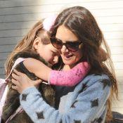 Katie Holmes et Suri, le bras plâtré : Câlines et complices en promenade