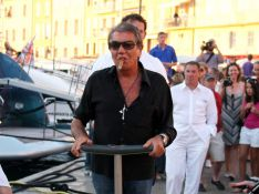 PHOTOS : Roberto Cavalli a le déambulateur le plus chic du monde!