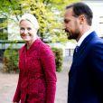 Le roi Willem-Alexander et la reine Maxima des Pays-Bas effectuaient le 2 octobre 2013 leur visite inaugurale en Norvège, reçus à Oslo par le roi Harald V, la reine Sonja, le prince héritier Haakon et la princesse Mette-Marit. La princesse Astrid s'est jointe à eux pour les photos et le déjeuner officiels.