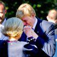 Le roi Willem-Alexander, saluant ici la reine Sonja, et la reine Maxima des Pays-Bas effectuaient le 2 octobre 2013 leur visite inaugurale en Norvège, reçus à Oslo par le roi Harald V, la reine Sonja, le prince héritier Haakon et la princesse Mette-Marit. La princesse Astrid s'est jointe à eux pour les photos et le déjeuner officiels.