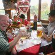 Oktoberfest à Munich le 6 octobre 2013 avec les joueurs et le staff du Bayern Munich.
