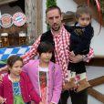FranckRibéry et ses enfantsà l'Oktoberfest à Munich le 6 octobre 2013.