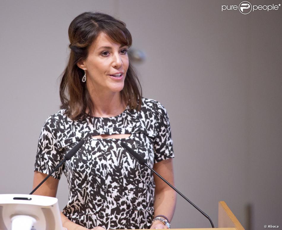 La princesse Marie de Danemark en plein discours à l'Université de Flensburg le 11 octobre 2013 pour une cérémonie de remise de diplômes.
