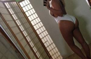 Kim Kardashian, hot mama sur Instagram : Popotin dehors pour un cliché sexy
