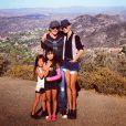 Johnny et Laeticia Hallyday avec leur filles en balade à Malibu, le 7 octobre 2013.
