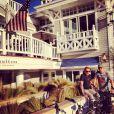 Johnny Hallyday et Jean Reno ont brunché à Venice Beach, le 17 février 2013.