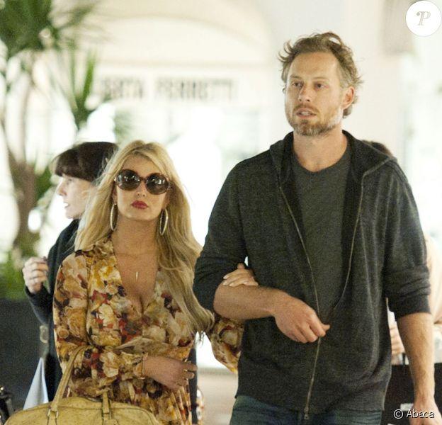 Jessica Simpson et son fiancé Eric Johnson à Capri, en Italie, le 16 octobre 2013.
