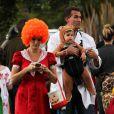 Molly Sims avec son mari Scott Stuber et leur fils Brook pour fêter  Halloween 2013