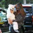 Alessandra Ambrosio avec son fils Noah pour fêter  Halloween 2013