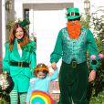 Alyson Hannigan avec son mari Alexis Denisof et leurs filles Keeva et Satyana déguisés pour  Halloween 2013