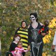 Camila Alves avec ses trois enfants Levi,Vida et Livingston pour  Halloween 2013