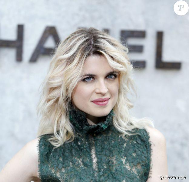 """Cécile Cassel lors du défilé de mode Haute-Couture Automne-Hiver 2013/2014 """"Chanel"""" au Grand Palais à Paris le 2 juillet 2013"""