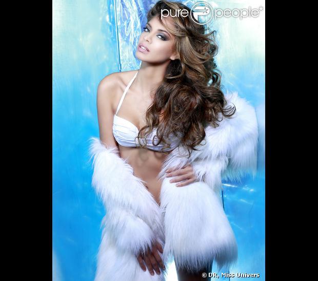 Hinarani de Longeaux : torride en maillot de bain et fourrure pour le concours Miss Univers 2013