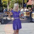 """Tori Spelling sur le plateau de l'émission """"Extra"""" à Universal City. Le 6 novembre 2013."""