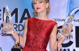 Taylor Swift : Sublime malgré ses larmes, la jeune star gâtée par ses pairs