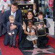 Mariska Hargitay, avec son mari et leurs trois enfants, a reçu son étoile sur le Hollywood Walk of Fame, le samedi 8 novembre 2013.