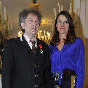 Bob Dylan : Finalement fier épinglé de la Légion d'honneur, après la polémique