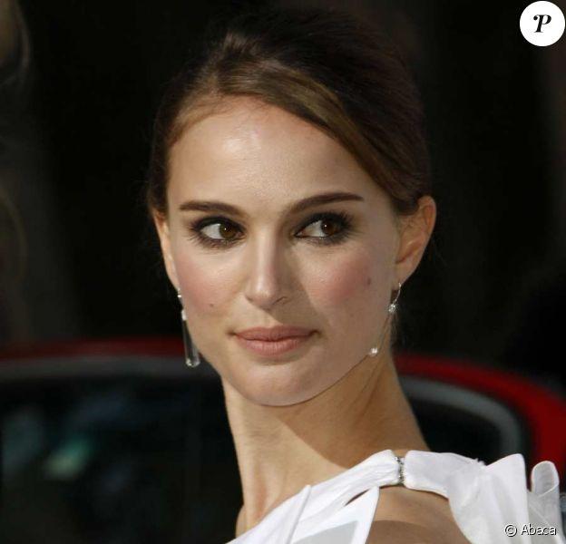 Natalie Portman varie les looks...