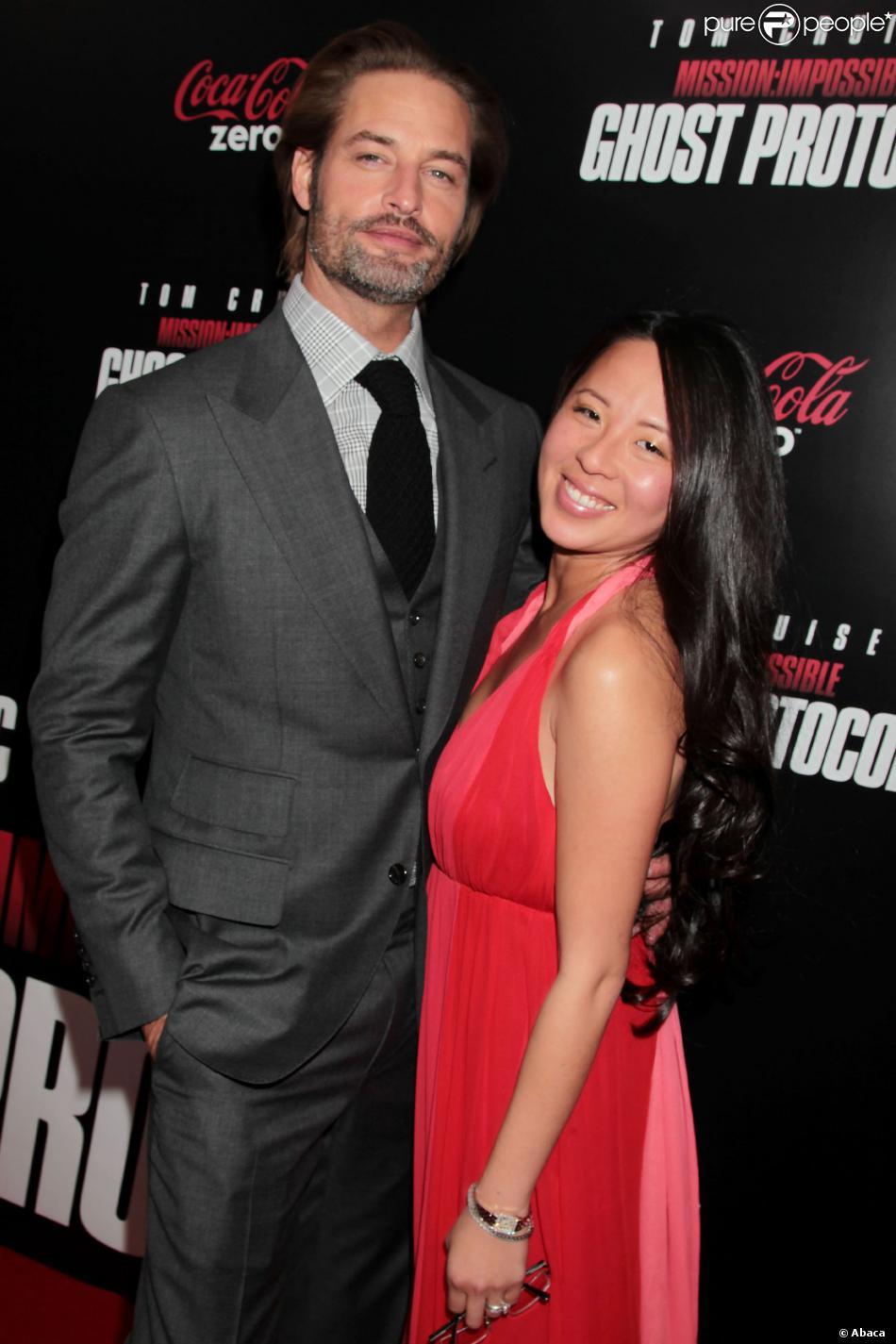 Josh Holloway couple
