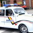 La Renault 4L du film Rien à déclarer, prête pour ses cascades - reportage de l'émission Auto Moto