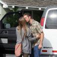 Exclusif - Paul Walker déjeune avec sa compagne Jasmine Pilchard-Gosnell à Montecito le 28 octobre 2010.