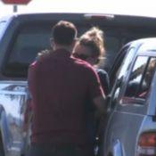 Mort de Paul Walker : Sa petite amie Jasmine en larmes devant chez lui