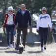 L'actrice Amanda Bynes avec ses parents à Thousand Oaks, le 5 décembre 2013.