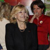Nicoletta, Catherine Laborde et Chantal Ladesou en soirée avec un Père Noël vert