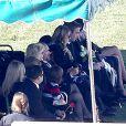 La famille - on voit ici ses deux parents ainsi que son petit frère Cody - de Paul Walker réunie pour les funérailles et l'inhumation de l'acteur au Forest Lawn Memorial Park à Hollywood, Los Angeles, le 14 décembre 2013.