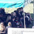 La famille et les proches de Paul Walker réunis pour les funérailles et l'inhumation de l'acteur au Forest Lawn Memorial Park à Hollywood, Los Angeles, le 14 décembre 2013.