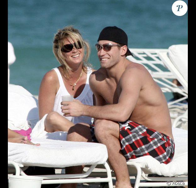 Rachel Hunter avec son fiance Jarret Stoll en vacances en Janvier 2008