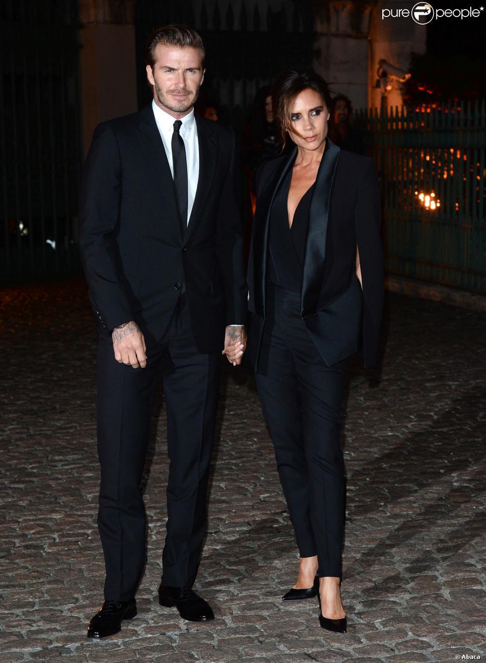 David et Victoria Beckham, ultrachic en noir durant la Fashion Week de Londres, assistent un événement de la fondation Global Fund. Le 16 septembre 2013.