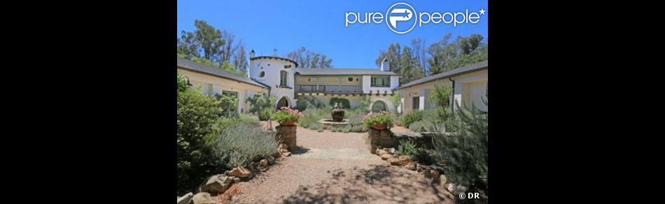 Reese Witherspoon a vendu sa jolie maison de Ojai en Californie pour 4,9 millions de dollars.