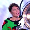Alessandra Sublet sexy et colorée dans C à vous le 10 décembre 2013 sur France 5