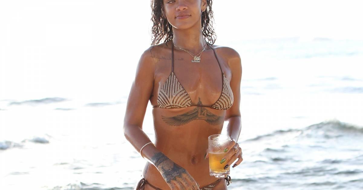 Rihanna nude and horny