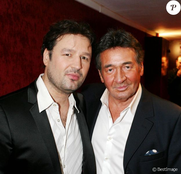 Pacal Danel et son fils Jean-Pierre Danel lors du concert ''Pascal Danel chante Gilbert Bécaud'' au Casino de Paris le 10 janvier 2014.