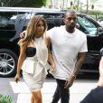 Kim Kardashian et son fiancé Kanye West vont faire du shopping à Miami, le 29 novembre 2013.