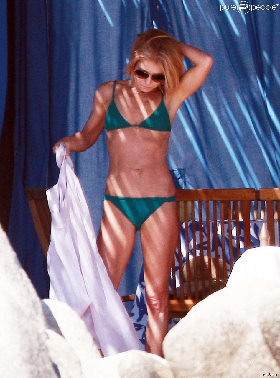 Kelly Ripa et son mari Mark Consuelos en vacances à Los Cabos, le 18 janvier 2014.