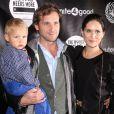 """""""Josh Lucas avec sa femme Jessica Henriquez en compagnie de leur fils Noah à New York, le 22 novembre 2013."""""""