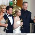 Charlize Theron, Sean Penn, Tim Robbins et Renée Zellweger lors des Oscars 2004