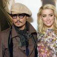 "Johnny Depp et Amber Heard au photocall du film ""Rhum Express"" à Paris le 8 novembre 2011."