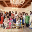 La star de Bollywood Kareena Kapoor, la socialite Chhaya Momaya et d'autres personnalités au côté de Valérie Trierweiler, invitée d'honneur d'un déjeuner à Mumbaï en Inde le 27 janvier 2014 au Trident Hotel, dans le cadre du déplacement au nom d'Action contre la faim