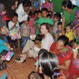 Valérie Trierweiler, ancienne première dame de France, visitant un bidonville de Mumbaï en Inde le 28 janvier 2014