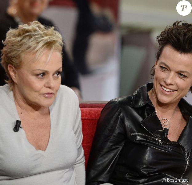 EXCLU - Muriel Robin et Anne Le Nen lors de l'enregistrement de l'émission Vivement Dimanche à Paris le 29 janvier 2013. L'émission sera diffusée le 2 février