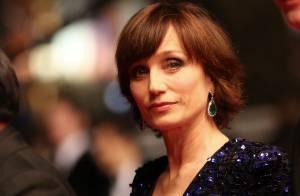 Kristin Scott Thomas, ennuyée, arrête le cinéma : ''La vie est trop courte''