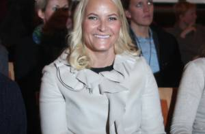 Princesse Mette-Marit : Magazine, expo, elle embrasse la cause des jeunes