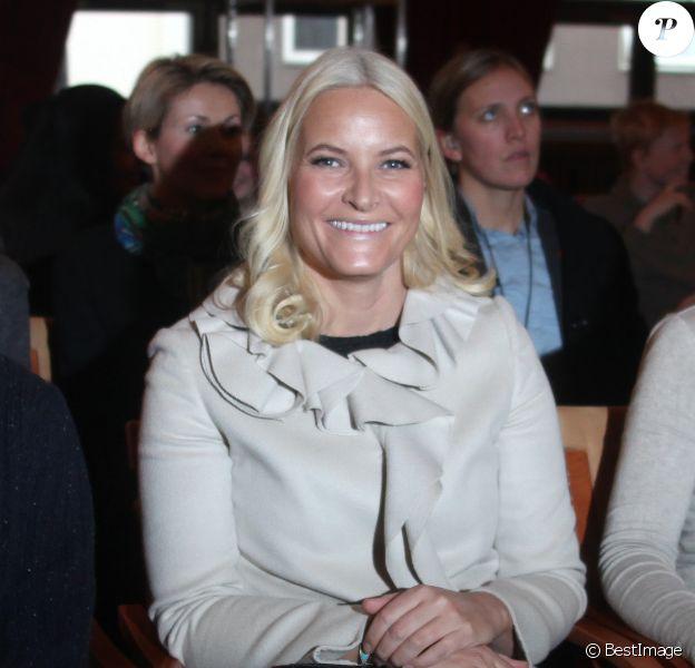"""La princesse Mette-Marit de Norvège lors du lancement du magazine """"Faktafyk"""" à la Maison de la Culture à Oslo, le 5 février 2014."""