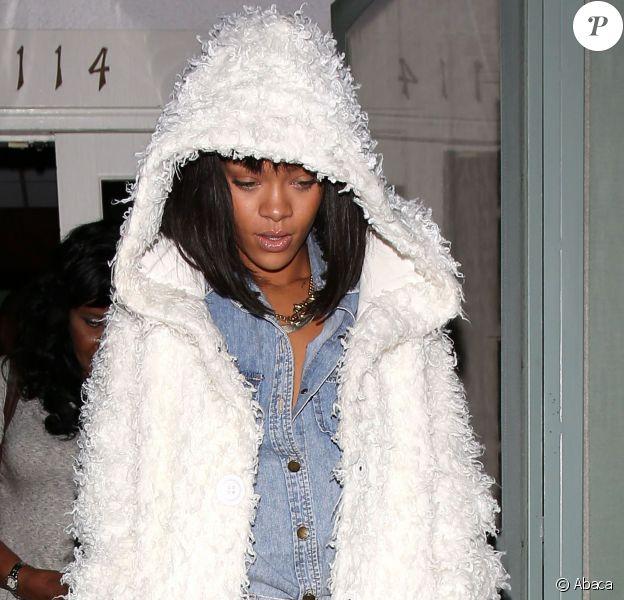 Rihanna et sa mère à Los Angeles, le 11 février 2014.